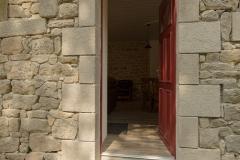 Une entrée recréée dans la tradition avec les pierres de carrière